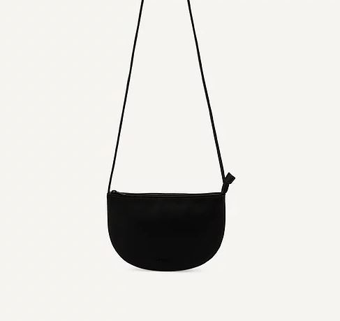 Monk & Anna | Farou half moon bag black